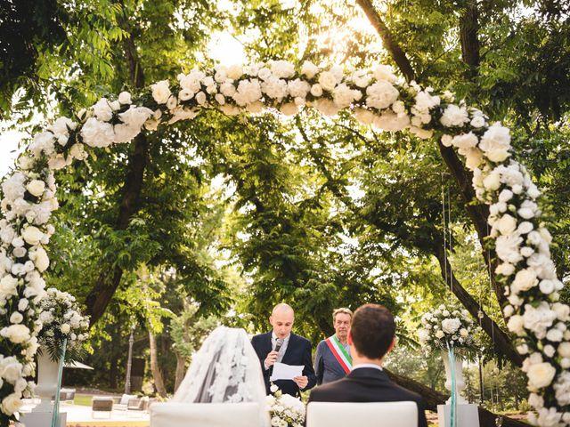 Il matrimonio di Luca e Nadia a Lesmo, Monza e Brianza 28