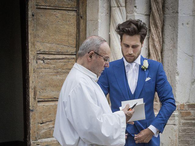 Il matrimonio di Valentina e Alessandro a San Severino Marche, Macerata 45