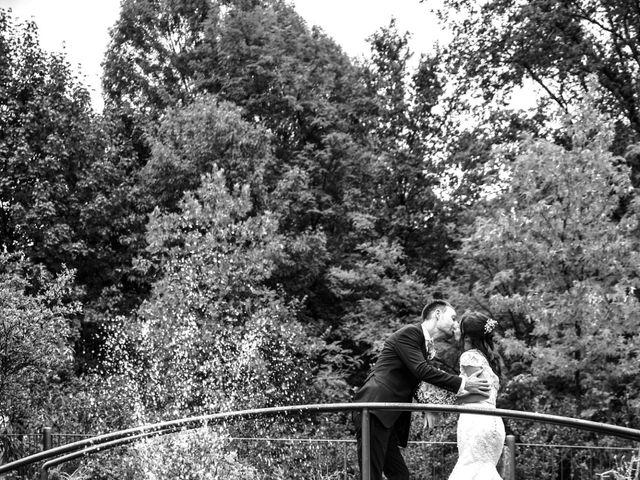 Il matrimonio di Fabrizio e Laura a Mariano Comense, Como 11