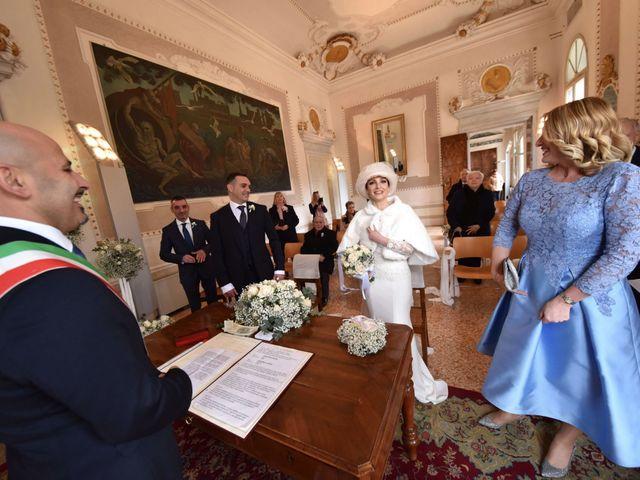 Il matrimonio di Davide e Laura a Mira, Venezia 4