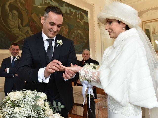 Il matrimonio di Davide e Laura a Mira, Venezia 13