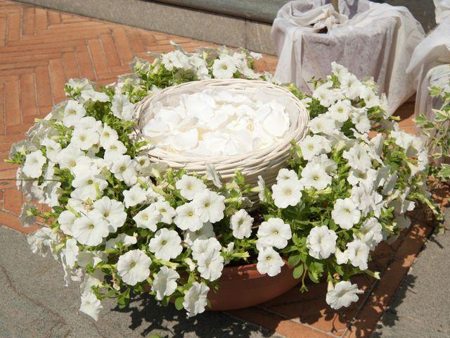 Il matrimonio di Luca e Valentina a Altopascio, Lucca 10