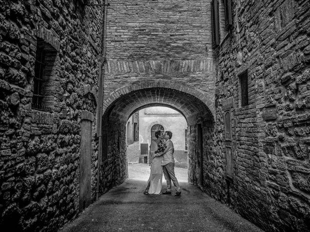 Il matrimonio di Fred e Christina a Volterra, Pisa 16