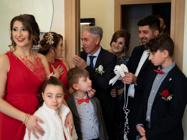 Il matrimonio di Davide e Mariantonietta a Strongoli, Crotone 21