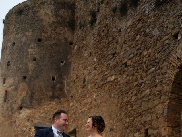 Il matrimonio di Davide e Mariantonietta a Strongoli, Crotone 37