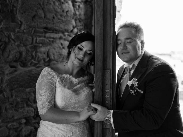 Il matrimonio di Davide e Mariantonietta a Strongoli, Crotone 38