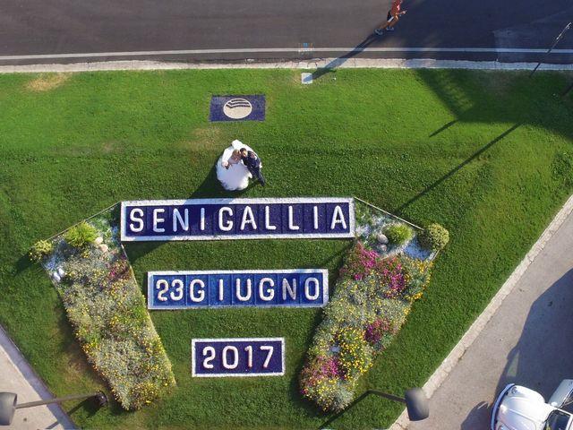 Il matrimonio di Davide e Valera a Senigallia, Ancona 16