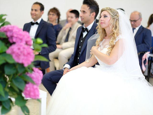 Il matrimonio di Davide e Valera a Senigallia, Ancona 20
