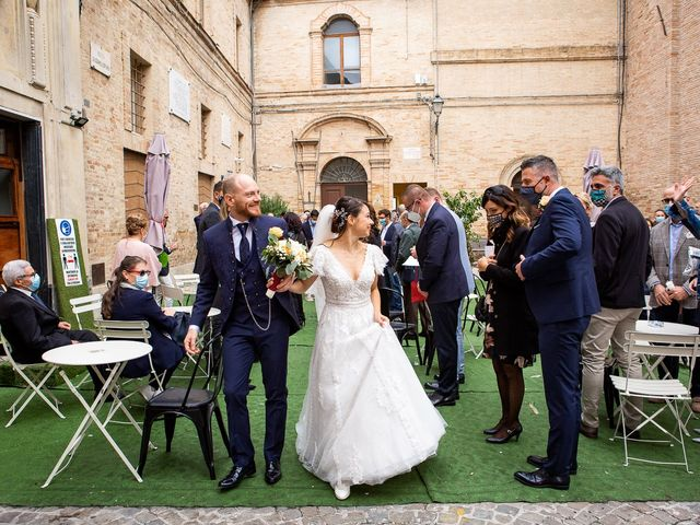 Il matrimonio di Fabio e Sabina a Castelfidardo, Ancona 36