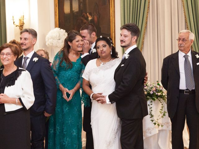 Il matrimonio di GIUSEPPE e DANIELA a Napoli, Napoli 29