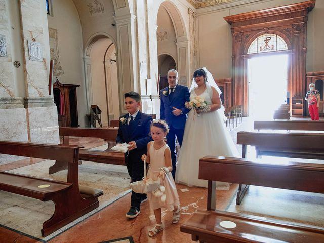 Il matrimonio di Sabrina e Cristian a Malnate, Varese 18
