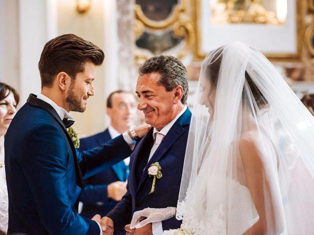 Il matrimonio di Emanuele e Lucilla a Salice Salentino, Lecce 29