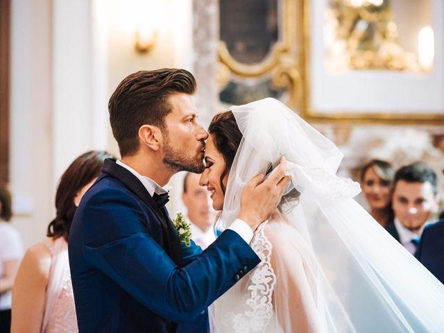 Il matrimonio di Emanuele e Lucilla a Salice Salentino, Lecce 30