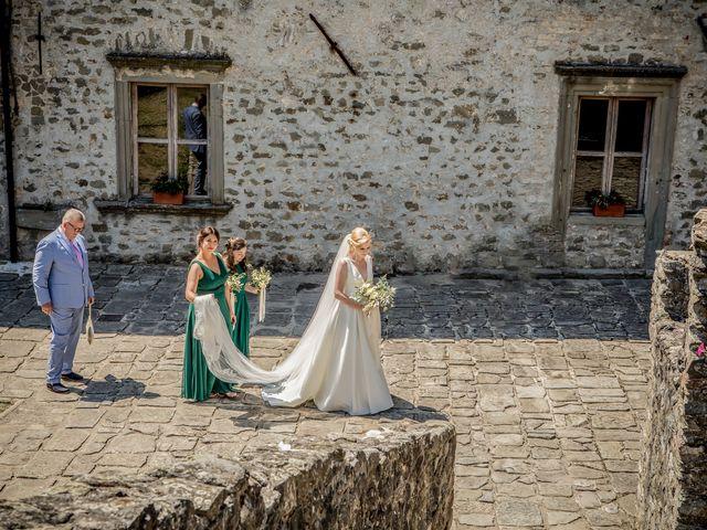 Il matrimonio di Chai e Alessandra a Pontremoli, Massa Carrara 25