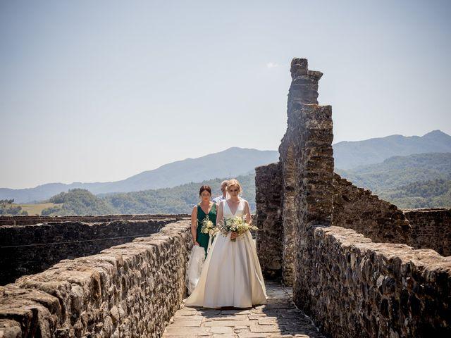 Il matrimonio di Chai e Alessandra a Pontremoli, Massa Carrara 26