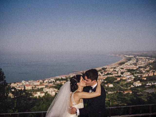 Il matrimonio di Simone e Daniela a Vasto, Chieti 15