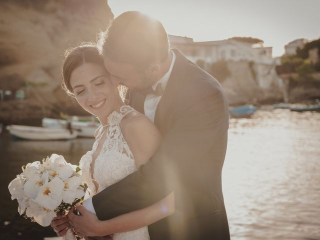 Il matrimonio di Luisa e Antonio a Bacoli, Napoli 2