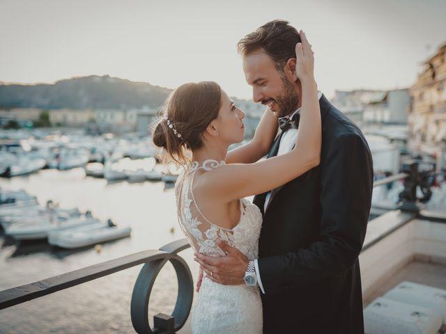 Il matrimonio di Luisa e Antonio a Bacoli, Napoli 36