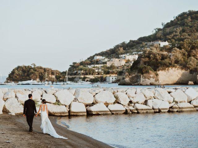 Il matrimonio di Luisa e Antonio a Bacoli, Napoli 38
