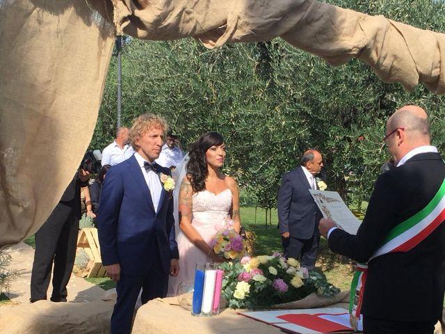 Il matrimonio di Claudio e Tamara a Lajatico, Pisa 21