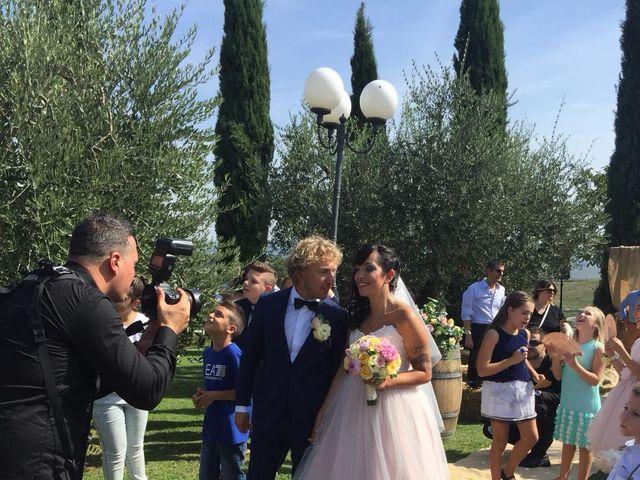 Il matrimonio di Claudio e Tamara a Lajatico, Pisa 22
