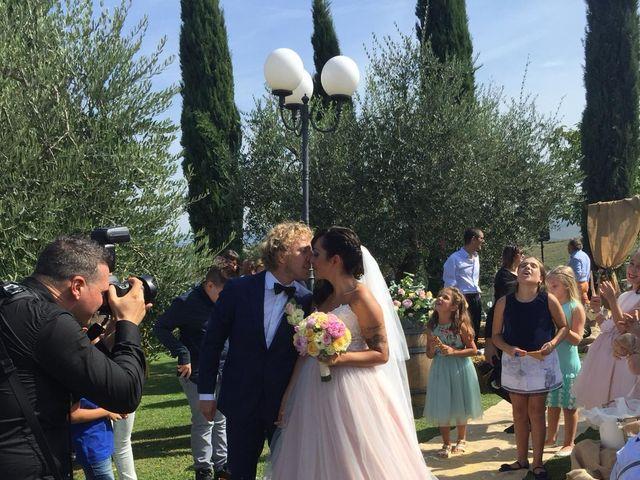 Il matrimonio di Claudio e Tamara a Lajatico, Pisa 23