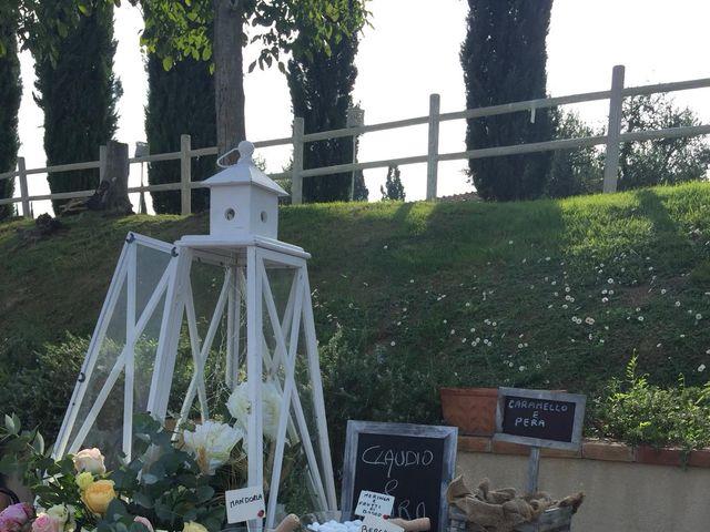 Il matrimonio di Claudio e Tamara a Lajatico, Pisa 25