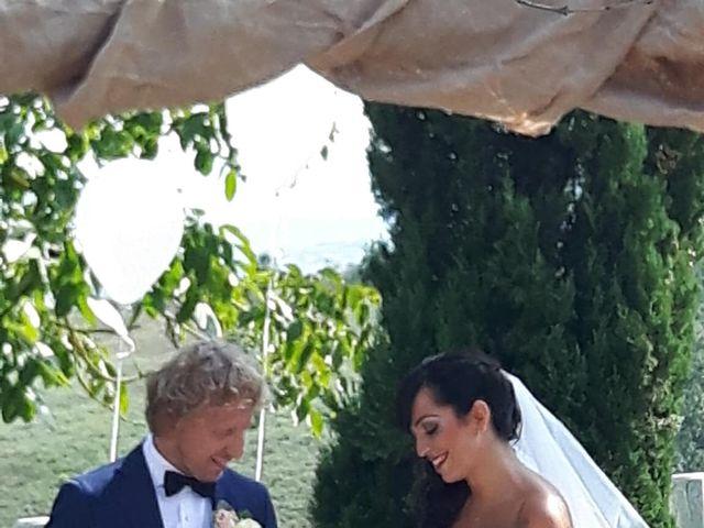 Il matrimonio di Claudio e Tamara a Lajatico, Pisa 37