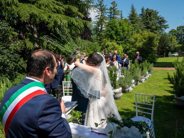 Il matrimonio di Luca e Linda a Erba, Como 7