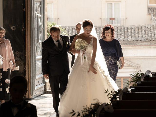 Il matrimonio di Valerio e Tamara a Modica, Ragusa 15