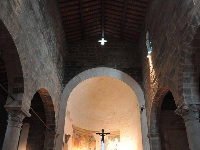 Il matrimonio di Isabella e Luca a Montecarlo, Lucca 3