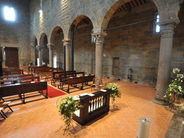 Il matrimonio di Isabella e Luca a Montecarlo, Lucca 4