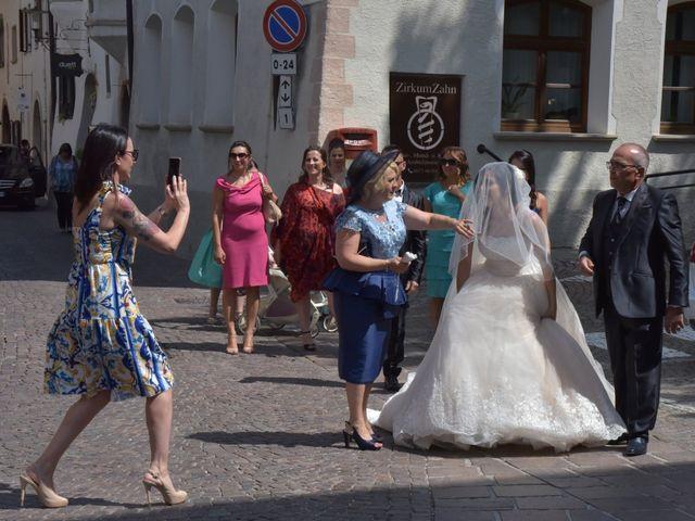 Il matrimonio di Paolo e Linda a Appiano sulla strada del vino-EppanB, Bolzano 5