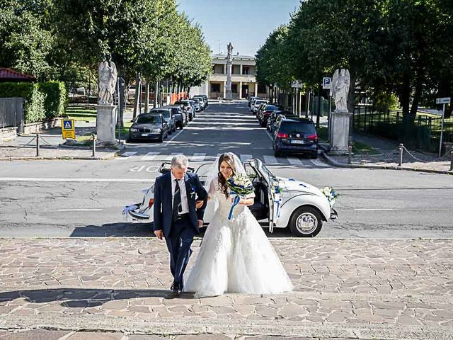Il matrimonio di Marco e Raffaella a Mapello, Bergamo 32