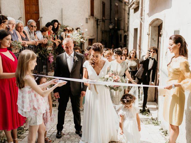 Il matrimonio di Adrian e Benedetta a Rocca d'Evandro, Caserta 28