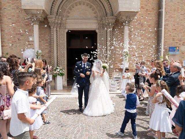 Il matrimonio di Angelo e Manuela a San Salvo, Chieti 39
