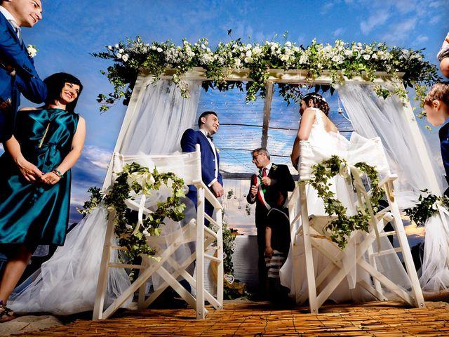 Il matrimonio di Enrico e Lavinia a Porto Cesareo, Lecce 32