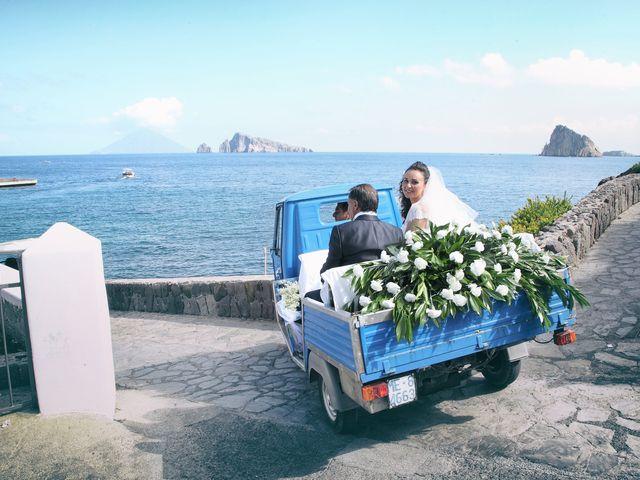 Il matrimonio di Antonella e Luca a Stromboli, Messina 5