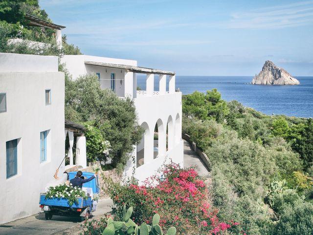 Il matrimonio di Antonella e Luca a Stromboli, Messina 10