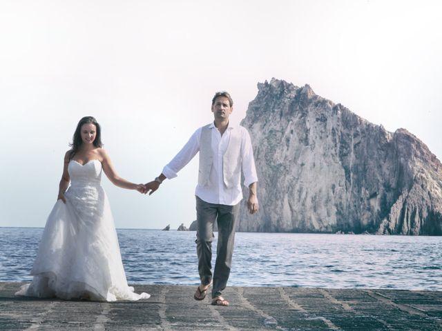 Il matrimonio di Antonella e Luca a Stromboli, Messina 22