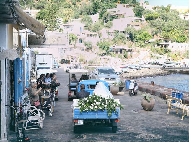 Il matrimonio di Antonella e Luca a Stromboli, Messina 23