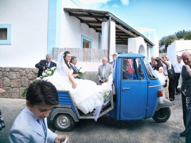Il matrimonio di Antonella e Luca a Stromboli, Messina 34