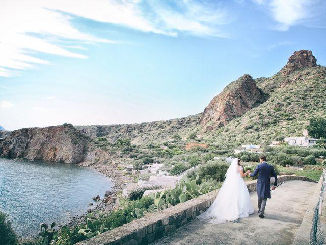 Il matrimonio di Antonella e Luca a Stromboli, Messina 48