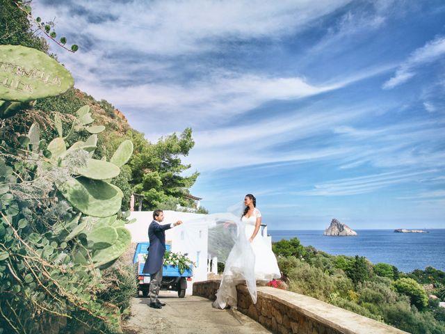 Il matrimonio di Antonella e Luca a Stromboli, Messina 51