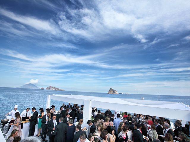 Il matrimonio di Antonella e Luca a Stromboli, Messina 59
