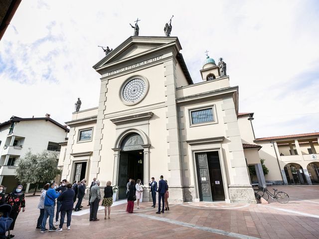 Il matrimonio di Stefano e Silvia a Carugate, Milano 17