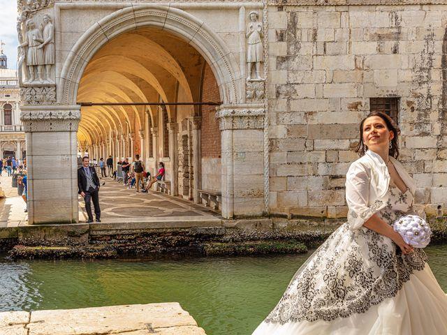 Il matrimonio di Marco e Sara a Venezia, Venezia 51