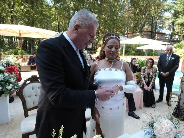 Il matrimonio di Elena e Vittorio a Nettuno, Roma 16