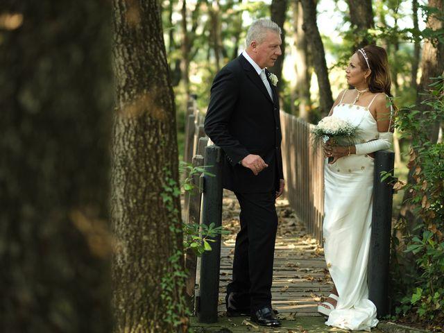 Il matrimonio di Elena e Vittorio a Nettuno, Roma 24