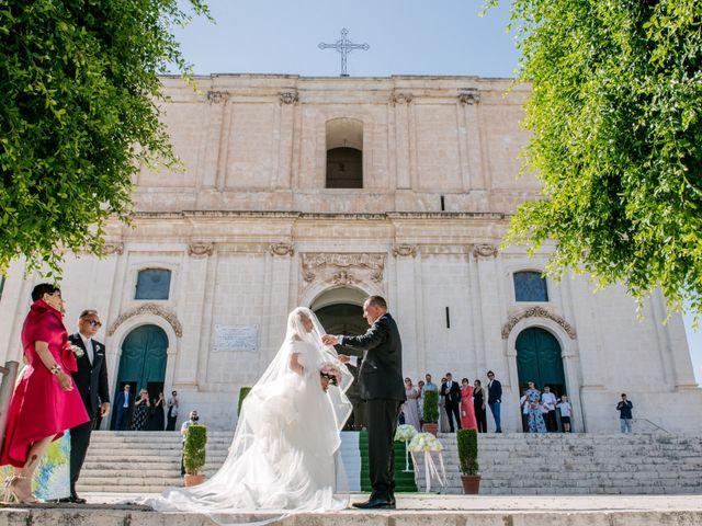 Il matrimonio di Giovanni e Maura a Pozzallo, Ragusa 27